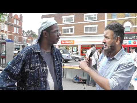 How Christian becomes  Muslim in a few minutes ! (Part 2/2) Street Dawah