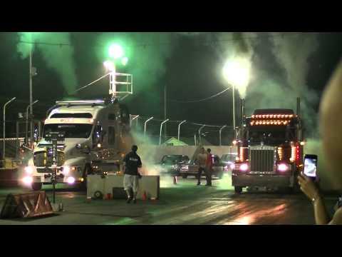 St-Eustache 27 Juillet 2011 - Semi truck race fail