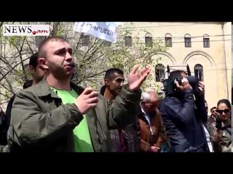 Protesters give 10 minutes to Finance Ministry - Apr 9, 2014