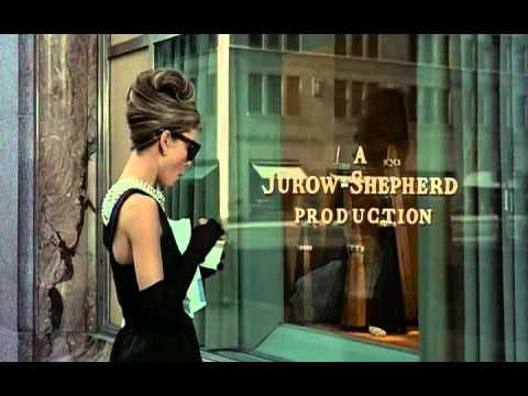 """Suknię Audrey Hepburn z filmu """"Śniadanie u Tiffany'ego"""" znają chyba wszyscy."""