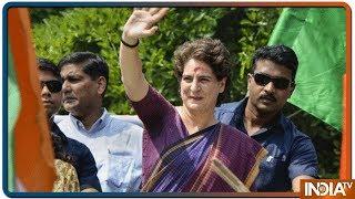 Priyanka Gandhi ने Gauriganj ने कर रोककर Congress कार्यकर्ताओं से की मुलाकात - INDIATV