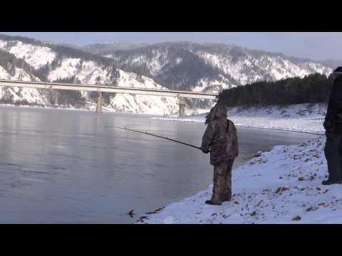 зимния рыбалка на енисей