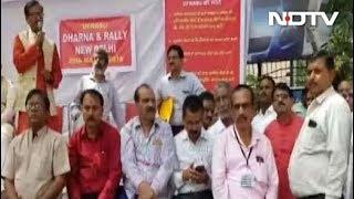 Prime Time with Ravish Kumar | क्या बैंकरों के पास परिवारवालों के लिए वक्त है? - NDTV
