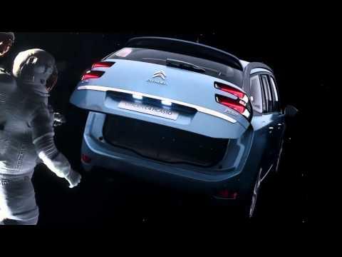 Autoperiskop.cz  – Výjimečný pohled na auta - Citroën Grand C4 Picasso. Kosmický prostor.