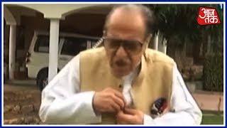 Kashmir को आज़ादी चाहिए - Congress नेता सीजफुद्दीन सोज़ का विवादित बयान; इंटरव्यू बीच में छोड़ भागे - AAJTAKTV