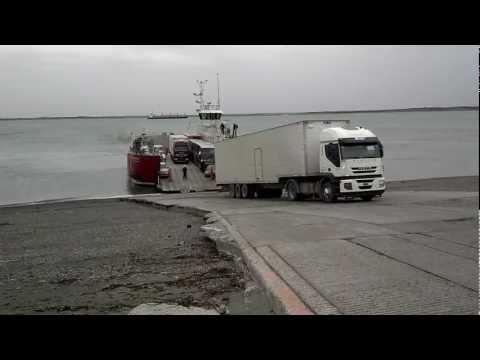 En Camión hacia Río Grande cruzando el Estrecho de Magallanes