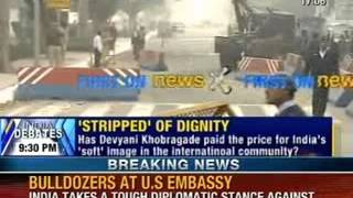 NewsX: Delhi Police remove barricades from outside US Embassy - NEWSXLIVE