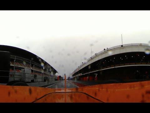 Видео: Запись с панорамной камеры на машине Алонсо. Барселона. Дождь.