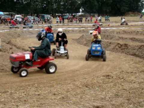 Course de tracteurs tondeuse Ere 2010- Les Mordus