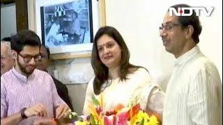 कांग्रेस से इस्तीफे के बाद शिवसेना में शामिल हुईं प्रियंका - NDTVINDIA