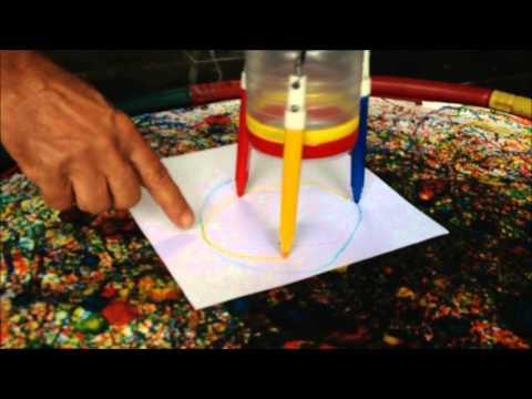 Caminhos Alternativos - Deneir mostra os brinquedos de material reciclável
