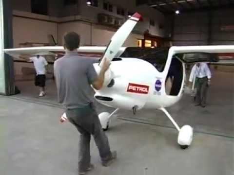 El avión ultraligero esloveno visitó San Fernando