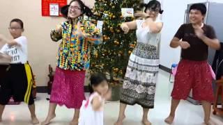 Con Bướm Xinh dance cover, Năm mới gia đình mình vui như này thì tốt haha