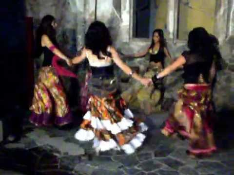 Entrevista de TV Azteca a las bailarinas Gitanas Yareaj Laila