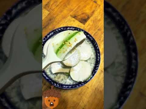 Bánh nhà em rắc thêm mè Vừng ăn là Bánh Bò Thốt Nốt Nguyễn Sơn