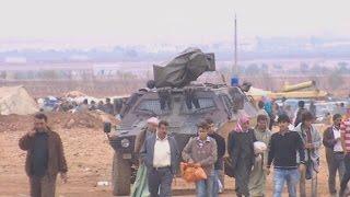 Kurds near Kobani afraid to enter Turkey - CNN