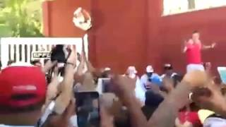 Diego Lugano se enfrentó con la barra de San Pablo