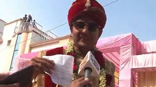 Gujarat Assembly Elections 2017: Groom priors his duty before his wedding in Ahmedabad - NEWSXLIVE