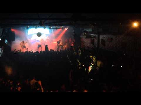 Parkway Drive Argentina 2014 - Home Is For The Heartless