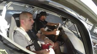 كين بلوك يستعرض مع كريس هاريس بدرفت على متن الهونيكورن موستانج