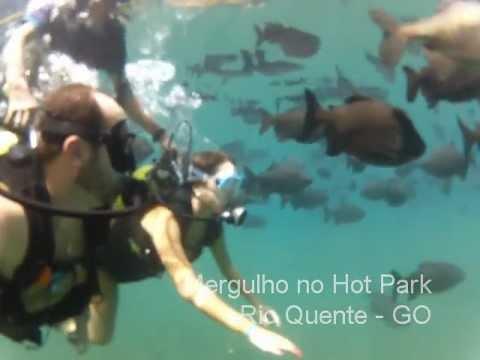 Mergulho nas águas quentes do Hot Park