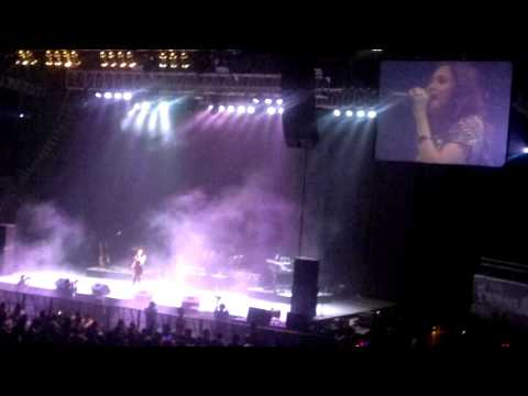JULIE ANNE  at  David Archuleta Concert in Manila (July 18, 2011)