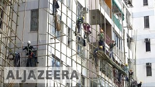 Hong Kong steps up safety for bamboo scaffoldings - ALJAZEERAENGLISH