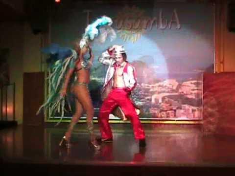 Abertura SAMBA - Brazil de Mulatas Show - restaurante Terra Samba Rimini.italia .wmv