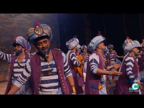 Sesión de Final, la agrupación Los Geni de Cadi actúa hoy en la modalidad de Chirigotas.