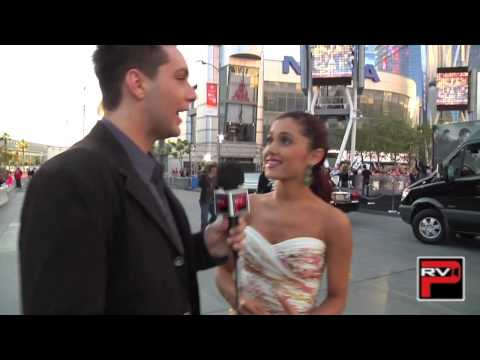Ariana Grande talks about One Direction, beauty secrets and more!