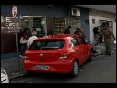 Acidente | Carro | Loja de Informática | Tubarão - SC | Unisul Tv | 2011
