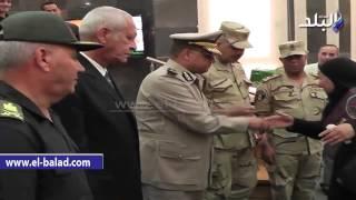 بالفيديو والصور.. محافظ الغربية يكرم أسر مصابي العمليات الحربية بمناسبة عيد تحرير سيناء