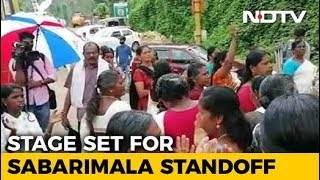 Protesters Check Vehicles For Women Day Before Sabarimala Temple Opening - NDTV