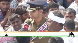 Holding back tears, Pulwama martyr Major VS Dhoundiyal's wife bids him final goodbye - ZEENEWS