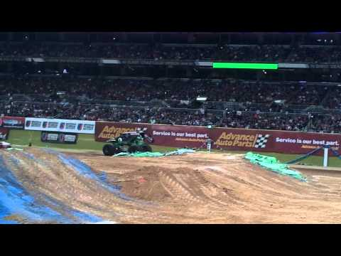 Grave Digger freestyle crash Monster Jam St Louis 2011 front row