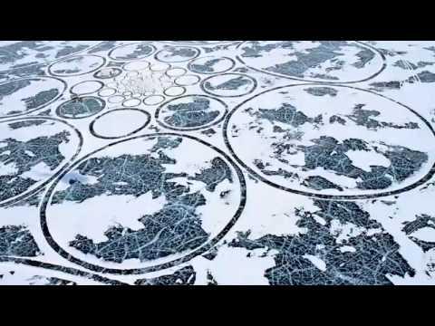 Рисунки на льду озера Байкал