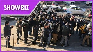 Cardi B mobbed by press at court - THESUNNEWSPAPER