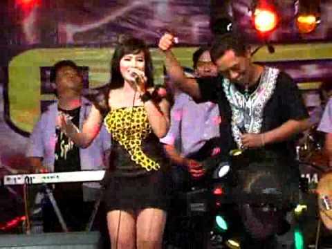 Dewi Anggelia RD 26   Gala   Gala