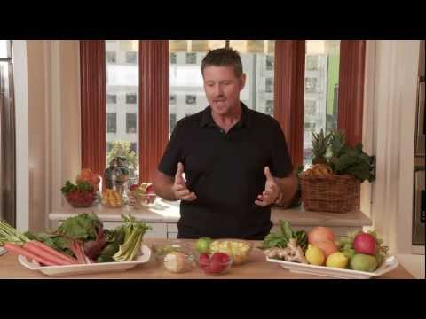 Joe Cross Discusses Some Health Benefits of Juicing | Williams-Sonoma