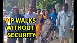 simplicity of Nirmala Sitharaman, walking in Bengaluru without VVIP culture | Mango News - MANGONEWS