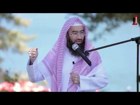 الشيخ نبيل العوضي يتعجب من تصرف داعية كان معه في المسجد !!!