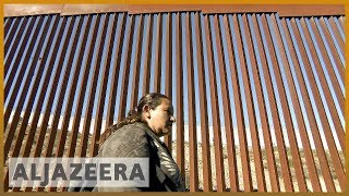 🇺🇸Migrant caravan: Many struggling to cross into US | Al Jazeera English - ALJAZEERAENGLISH