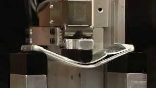 شاهد إختبار الإنحناء للـ Galaxy S6 Edge والآيفون 6 بلس و HTC One M9