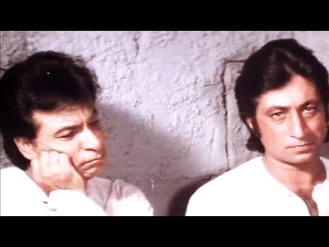 Kader Khan, Shakti Kapoor in Jail-  Baap Numbri Beta Dus Numbri Scene