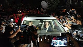 Priyanka Chopra's Engagement LIVE Updates - Parineeti Chopra Enters | KJo's Gift Spoilt - ZOOMDEKHO