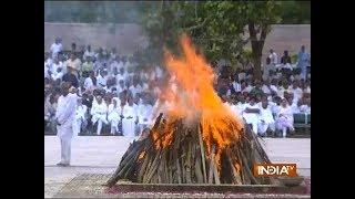 Former PM Atal Bihari Vajpayee cremated with full state honours at Smriti Sthal in Delhi - INDIATV