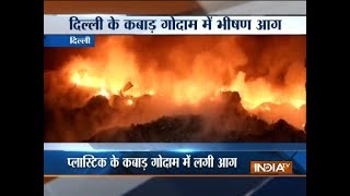 Massive fire breaks out in plastic godown in Delhi's Nangloi - INDIATV