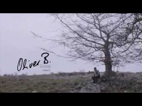 Oliver B es un fabricante de muebles de lujo.