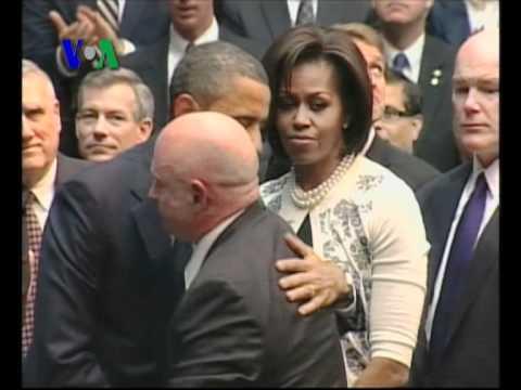 Obama & Sarah Palin Seputar Tragedi Arizona - Liputan VOA 14 Januari 2011