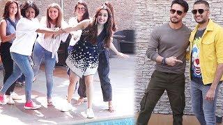 #BollywoodNews: 'बागी-3' की प्रमोशन के दौरान लड़कियों संग मस्ती करती दिखी श्रद्धा कपूर